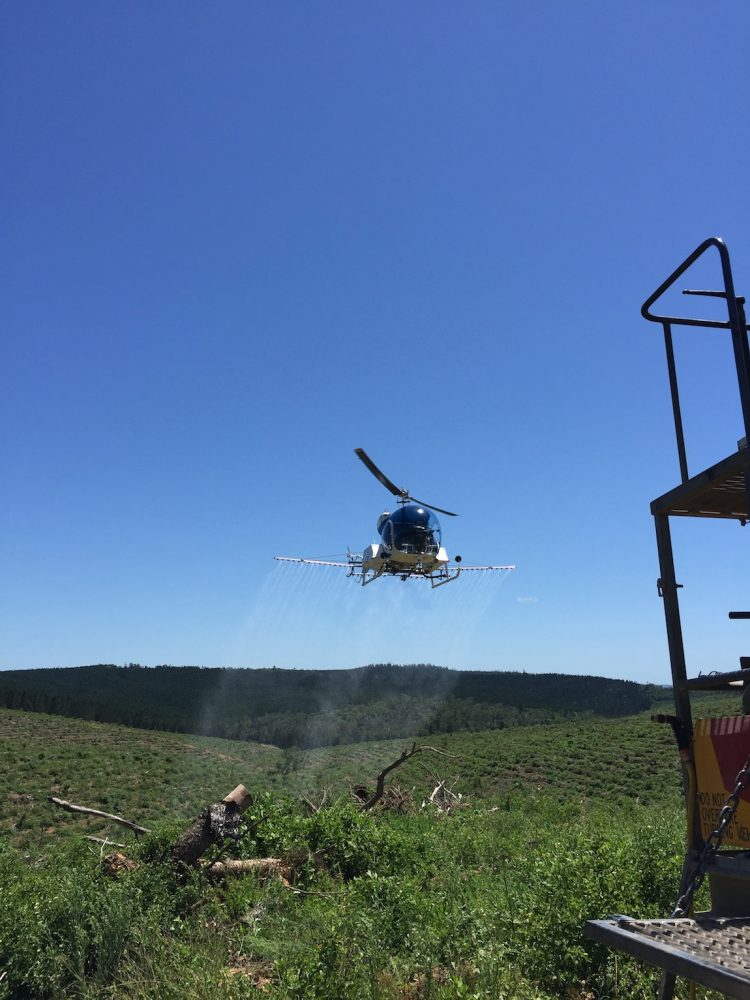Bell 47 - Herbicide Application