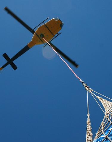 Bell 204 - Lifting