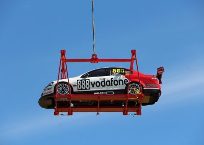 V8 Supercar Heli-lift