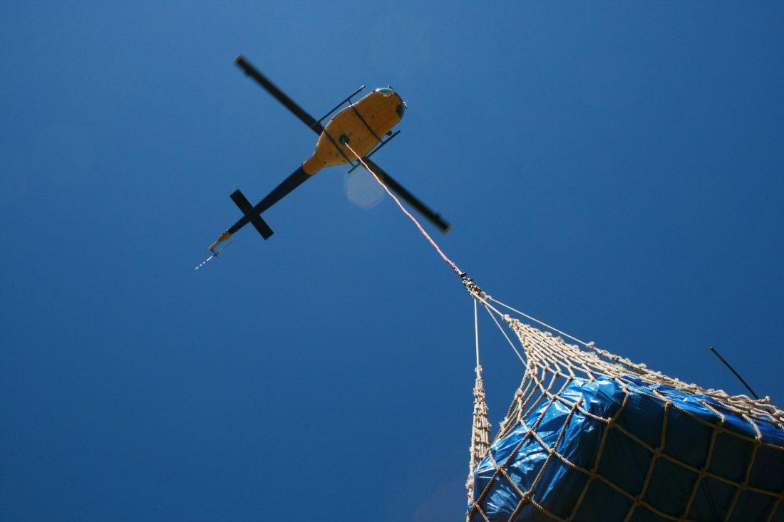 Bell 204 Heli Lift